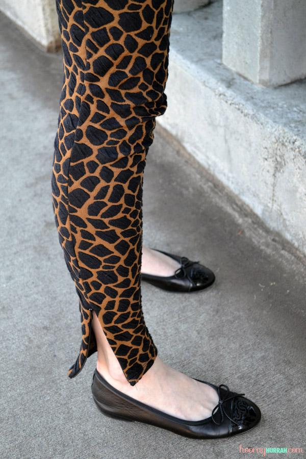 madewell-giraffe-leggings-chanel- ballet-flats