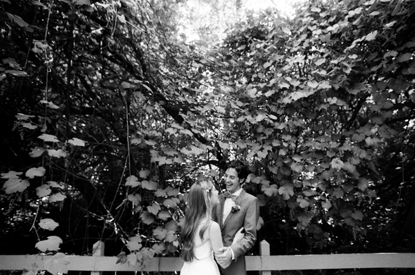 wedding-black-and-white-candid