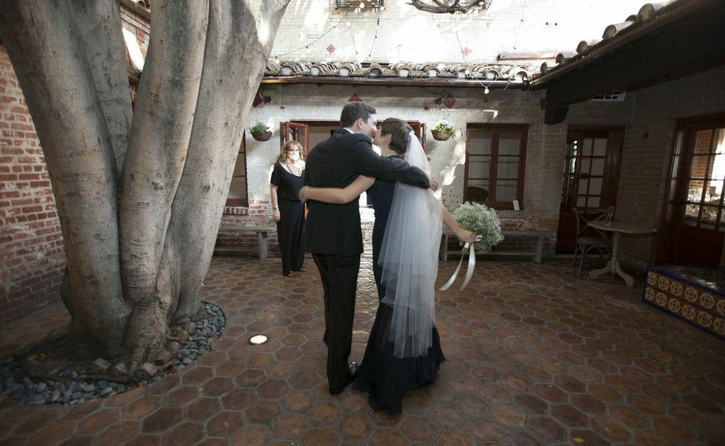 carondelet-house-wedding-couple